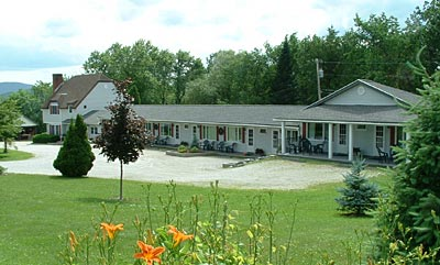 Harwood Hill Motel - great views and lodging in Bennington, Southern Vermont